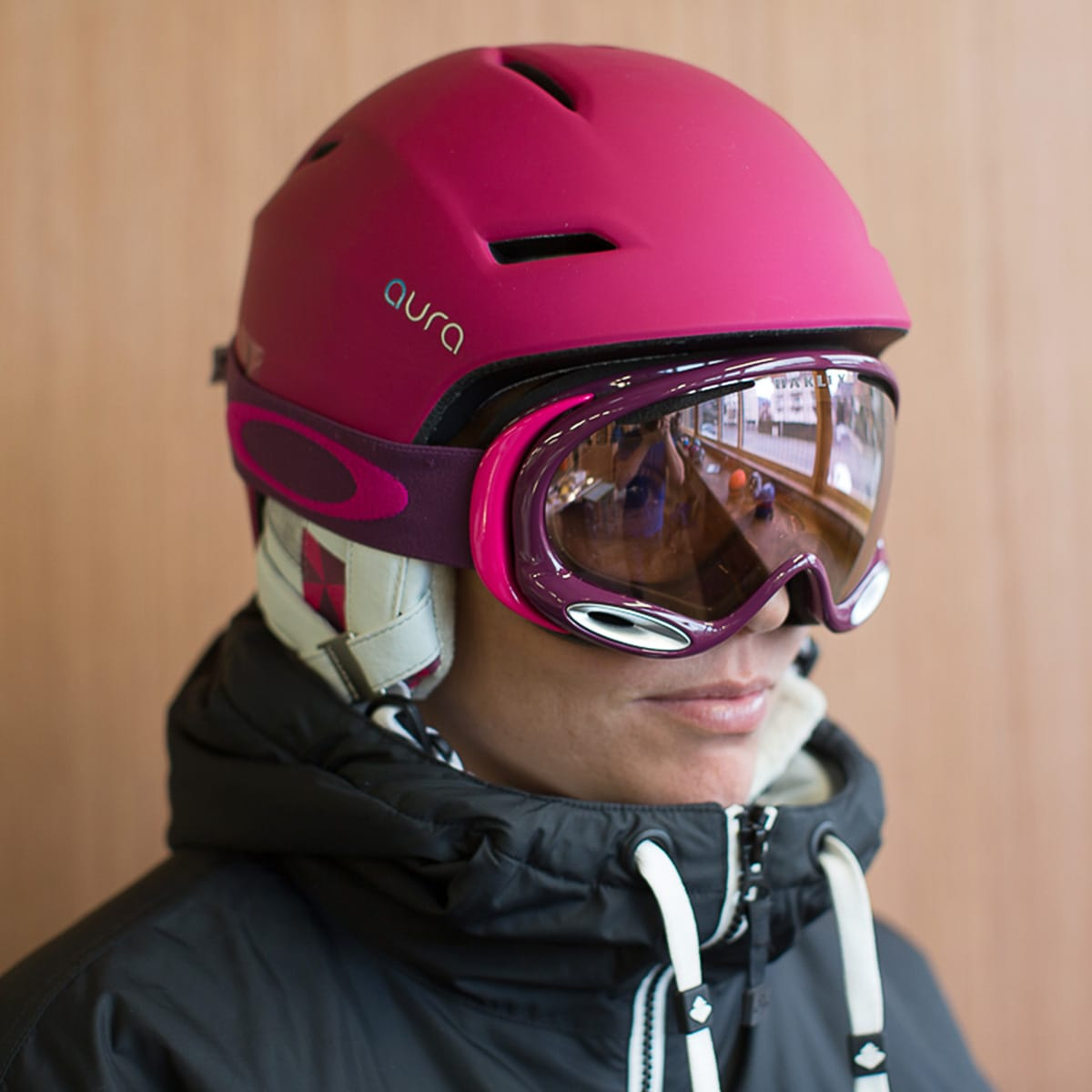 oakley goggles a frame  Are More Expensive Ski Goggles Worth The Extra Cost?Igero
