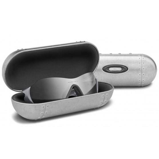 Oakley LARGE METAL VAULT