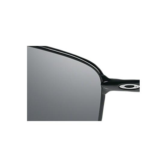 c8803887c1e Polarized Oakley Taper